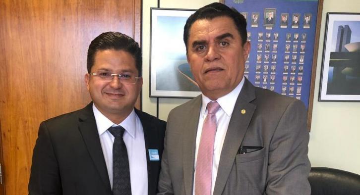 Em  Brasília: Secretário de Assunção prestigia posse do deputado Wilson Santiago
